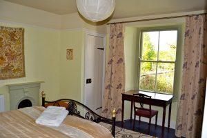 garden-bedroom-view