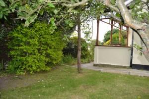 side-garden-the-gables